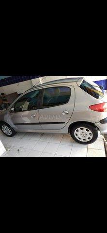 206 Peugeot - 1