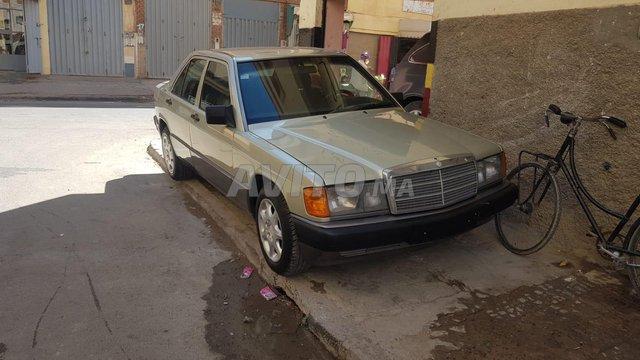Mercedes190 - 1