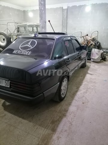 Mercedes 190 - 8