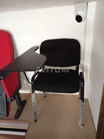 chaise iso avec écritoire en bois - 1