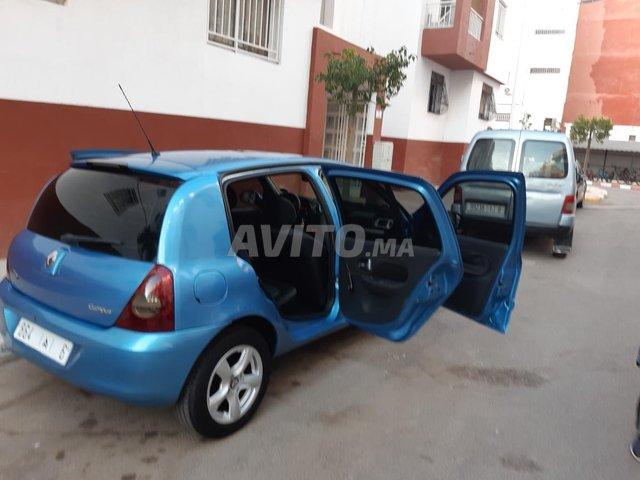 Renault  - 6