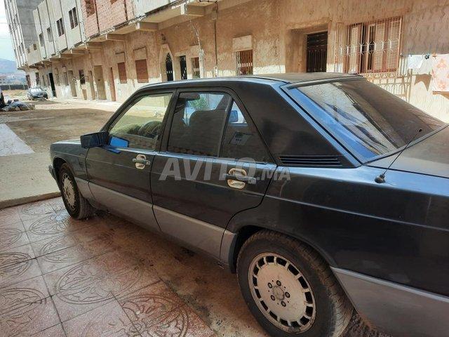 Mercedes 190 - 2