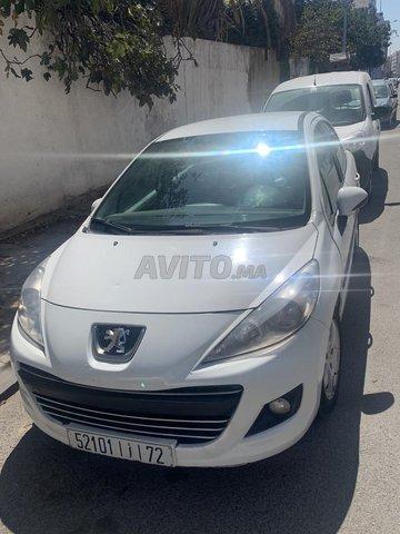 Peugeot 207  - 1