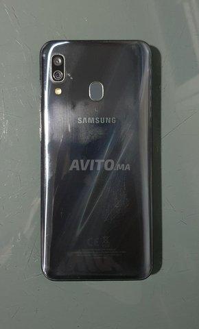 Samsung Galaxy A30 - 2