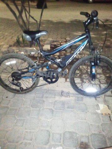 vélo marque HYPER  - 1