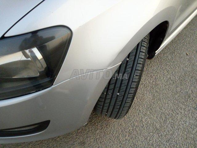 Volkswagen Polo diesel 1er main DW 2015 bluemotion - 5
