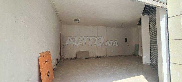 magasin angle neuf  location  Bourgogne  - 1