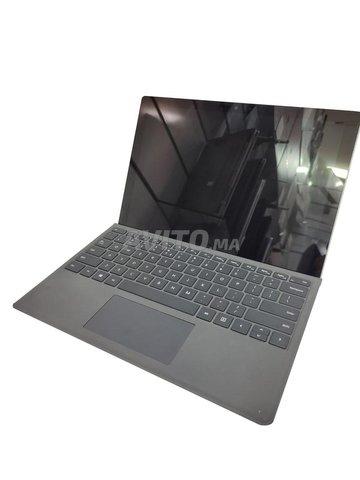 Microsoft Surface Pro 5  en très bon état - 1