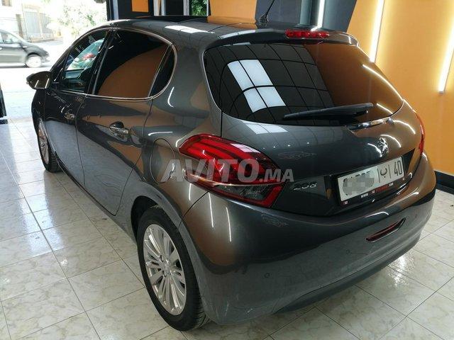 Peugeot 208 panoramique  - 4