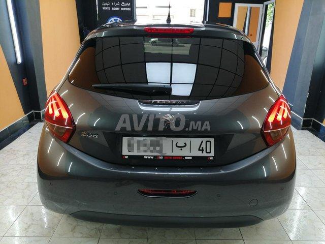 Peugeot 208 panoramique  - 5