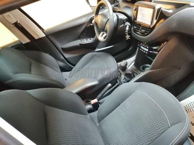 Peugeot 208 panoramique  - 7
