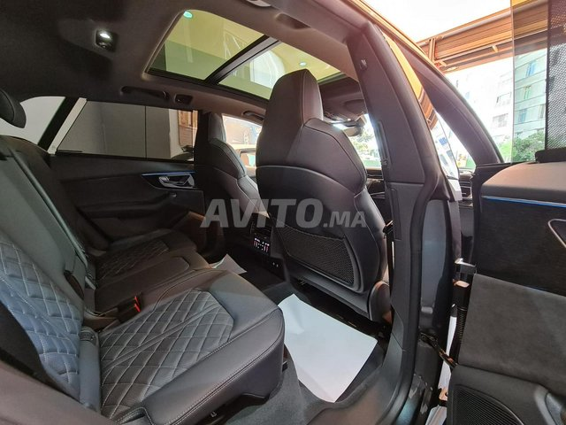Audi Q8 S-Line Black Pack - 7