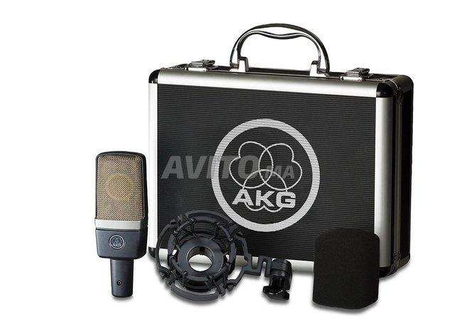 akg c214 microphone   a casablanca - 1