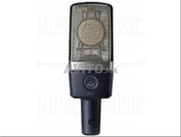 akg c214 microphone   a casablanca - 2
