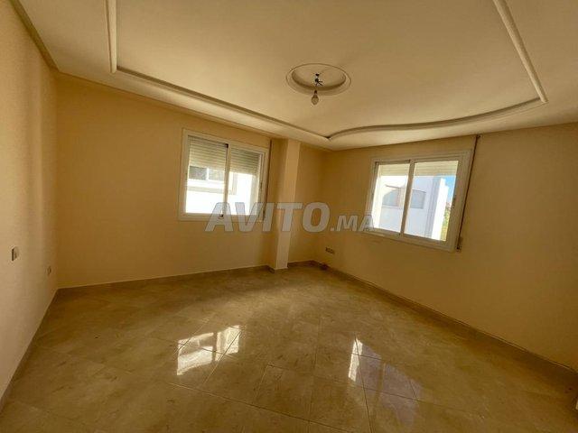 شقة فاخرة للبيع قرب مرجان - 2
