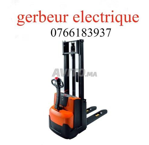 gerbeur électrique PO85************** - 1