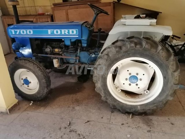 tracteur Ford 1700  - 1
