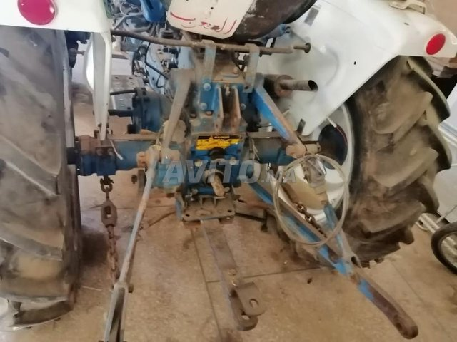 tracteur Ford 1700  - 2