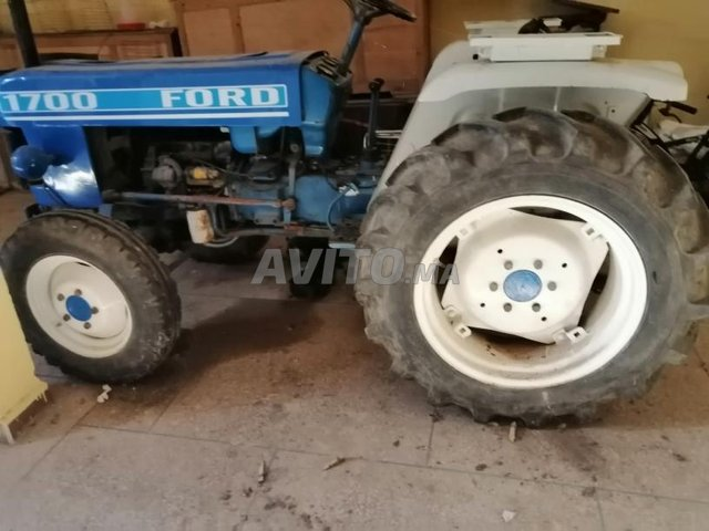 tracteur Ford 1700  - 3