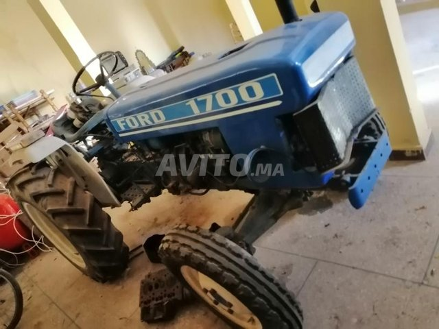 tracteur Ford 1700  - 4