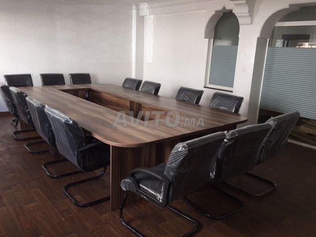Tables de réunions ( table et chaises )  - 1