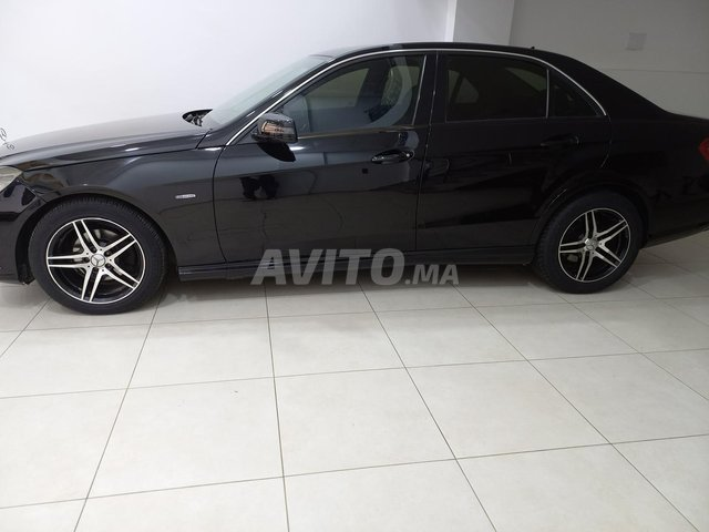 Mercedes  E220 - 2