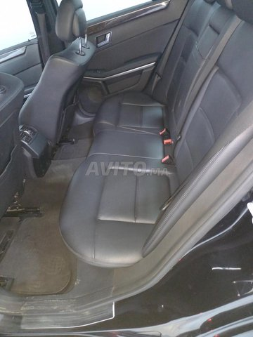 Mercedes  E220 - 6