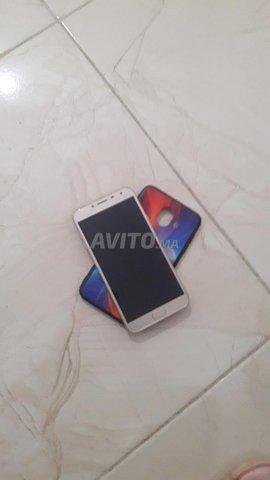 Samsung J4 - 2