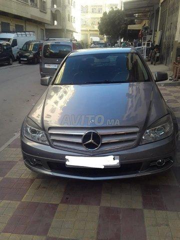 Mercedes-Benz 220 - 1