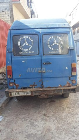Mercedes 207 - 2