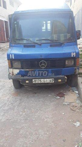 Mercedes 207 - 1