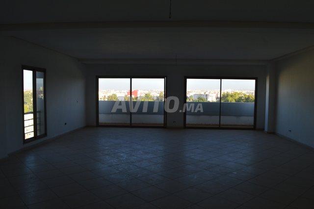 Plateau bureau haute standing vue panoramique  - 3