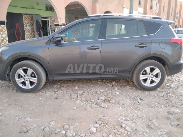 Voiture Toyota Rav 4 2013 à ouarzazate  Diesel  - 9 chevaux