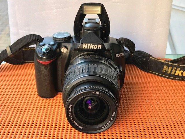 Nikon D 3000 18 55mm - 1