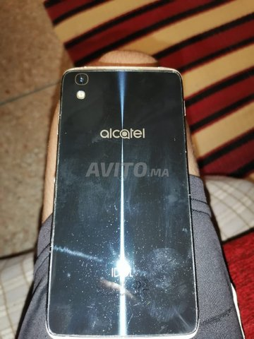 Alcatel idol 4 ba9i jdid - 1