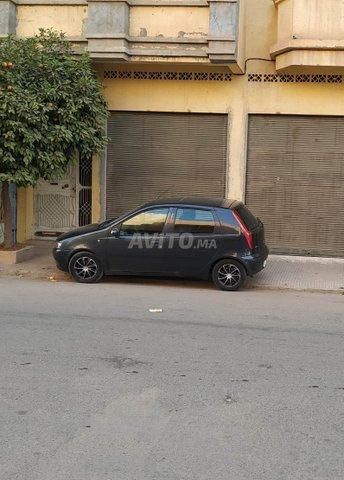 Voiture Fiat Punto 2000 à casablanca  Essence  - 6 chevaux