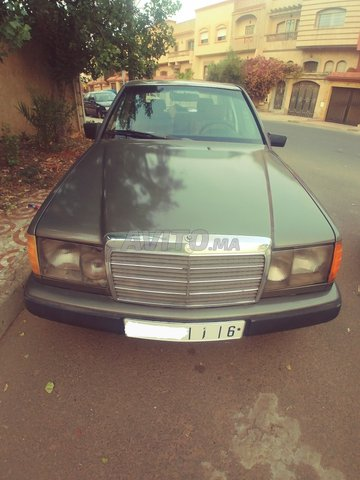 Voiture Mercedes benz R250 1987 à casablanca  Diesel  - 10 chevaux