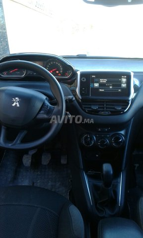Peugeot 208 - 6