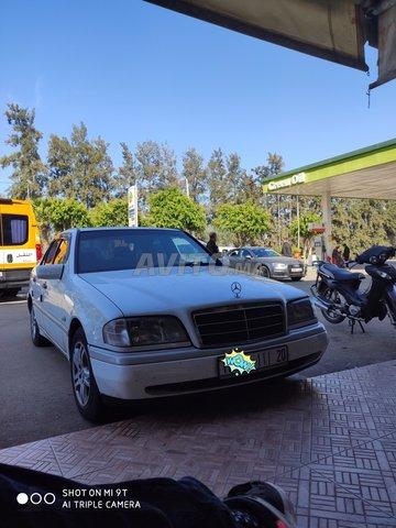 Voiture Mercedes benz 220 1994 à marrakech  Diesel  - 9 chevaux