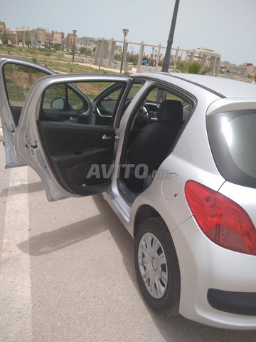 Peugeot 207 essence - 1