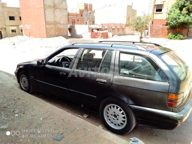 Voiture Bmw Serie 3 gt 1996 à rabat  Diesel  - 7 chevaux