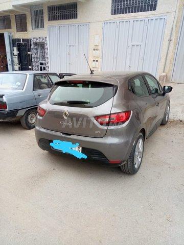 Voiture Renault Clio 2015 à fès  Diesel  - 6 chevaux