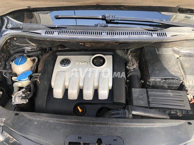 Voiture Volkswagen Touran 2005 à laâyoune  Diesel  - 8 chevaux
