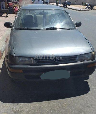 Voiture Toyota Corolla 1997 à dakhla  Essence  - 8 chevaux