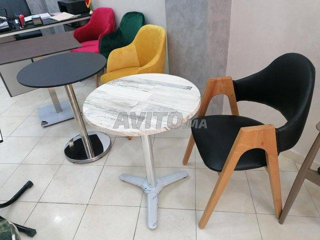 Chaises et table - 3