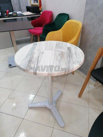 Chaises et table - 6