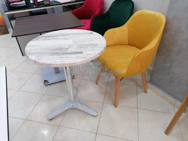 Chaises et table - 5