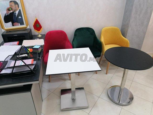 Chaises et table - 2