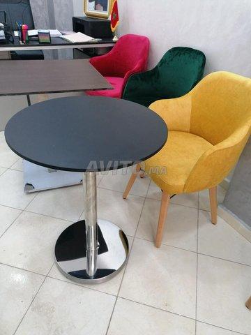 Chaises et table - 4