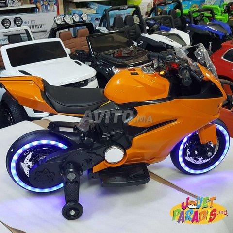 Magnifique MOTO 12Volts Avec Roues Lumineux - 1
